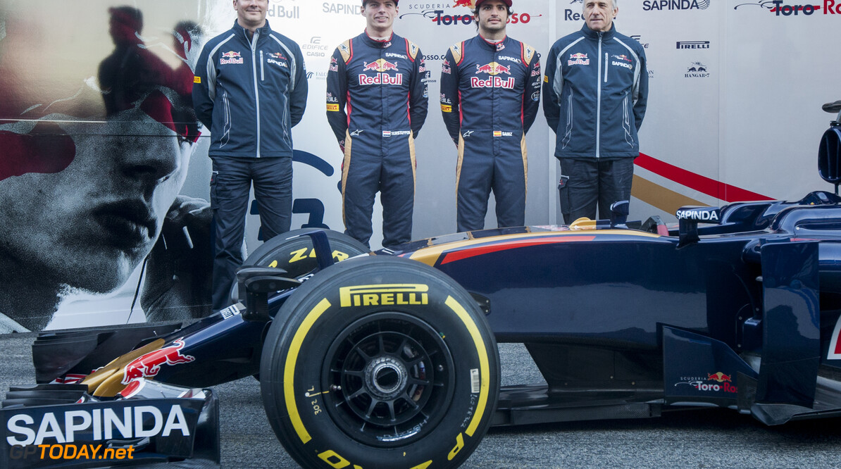 160301RF24862 BARCELONA, SPAIN - 1 MARCH 2016: Scuderia Toro Rosso Technical Director James Key (L), #33 Max Verstappen (NLD) (2L), #55 Carlos Sainz Jr (ESP) (2R) and Scuderia Toro Rosso Team Principal Franz Tost (R) during the Scuderia Toro Rosso team presentation at Formula 1's Pre-Season Test at Circuit de Barcelona-Catalunya. Formula 1's Pre-Season Test Ronald Fleurbaaij Barcelona Spain  Sport Sports Autosport Motorsports Auto Car Racewagen Race Car Formule 1 Formula 1 F1 FIA Formula One World Championship Spain Spanje Circuit de Barcelona-Catalunya Pre-Season Test