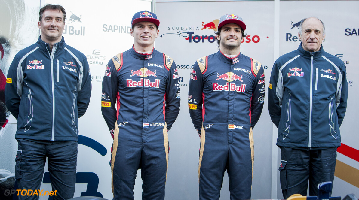 160301RF13465 BARCELONA, SPAIN - 1 MARCH 2016: Scuderia Toro Rosso Technical Director James Key (L), #33 Max Verstappen (NLD) (2L), #55 Carlos Sainz Jr (ESP) (2R) and Scuderia Toro Rosso Team Principal Franz Tost (R) during the Scuderia Toro Rosso team presentation at Formula 1's Pre-Season Test at Circuit de Barcelona-Catalunya. Formula 1's Pre-Season Test Ronald Fleurbaaij Barcelona Spain  Sport Sports Autosport Motorsports Auto Car Racewagen Race Car Formule 1 Formula 1 F1 FIA Formula One World Championship Spain Spanje Circuit de Barcelona-Catalunya Pre-Season Test