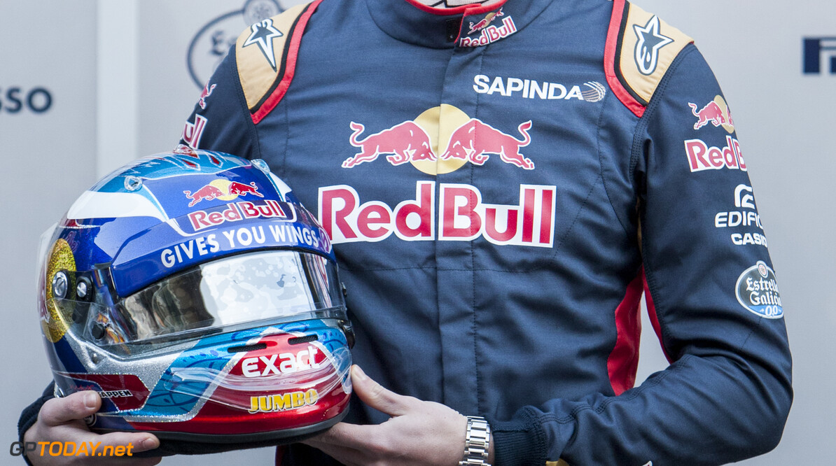 160301RF13448 BARCELONA, SPAIN - 1 MARCH 2016: #33 Max Verstappen (NLD) during the Scuderia Toro Rosso team presentation at Formula 1's Pre-Season Test at Circuit de Barcelona-Catalunya. Formula 1's Pre-Season Test Ronald Fleurbaaij Barcelona Spain  Sport Sports Autosport Motorsports Auto Car Racewagen Race Car Formule 1 Formula 1 F1 FIA Formula One World Championship Spain Spanje Circuit de Barcelona-Catalunya Pre-Season Test