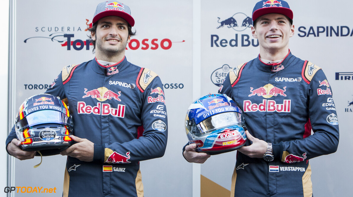 160301RF13433 BARCELONA, SPAIN - 1 MARCH 2016: #55 Carlos Sainz Jr (ESP) (L) and #33 Max Verstappen (NLD) (R) during the Scuderia Toro Rosso team presentation at Formula 1's Pre-Season Test at Circuit de Barcelona-Catalunya. Formula 1's Pre-Season Test Ronald Fleurbaaij Barcelona Spain  Sport Sports Autosport Motorsports Auto Car Racewagen Race Car Formule 1 Formula 1 F1 FIA Formula One World Championship Spain Spanje Circuit de Barcelona-Catalunya Pre-Season Test