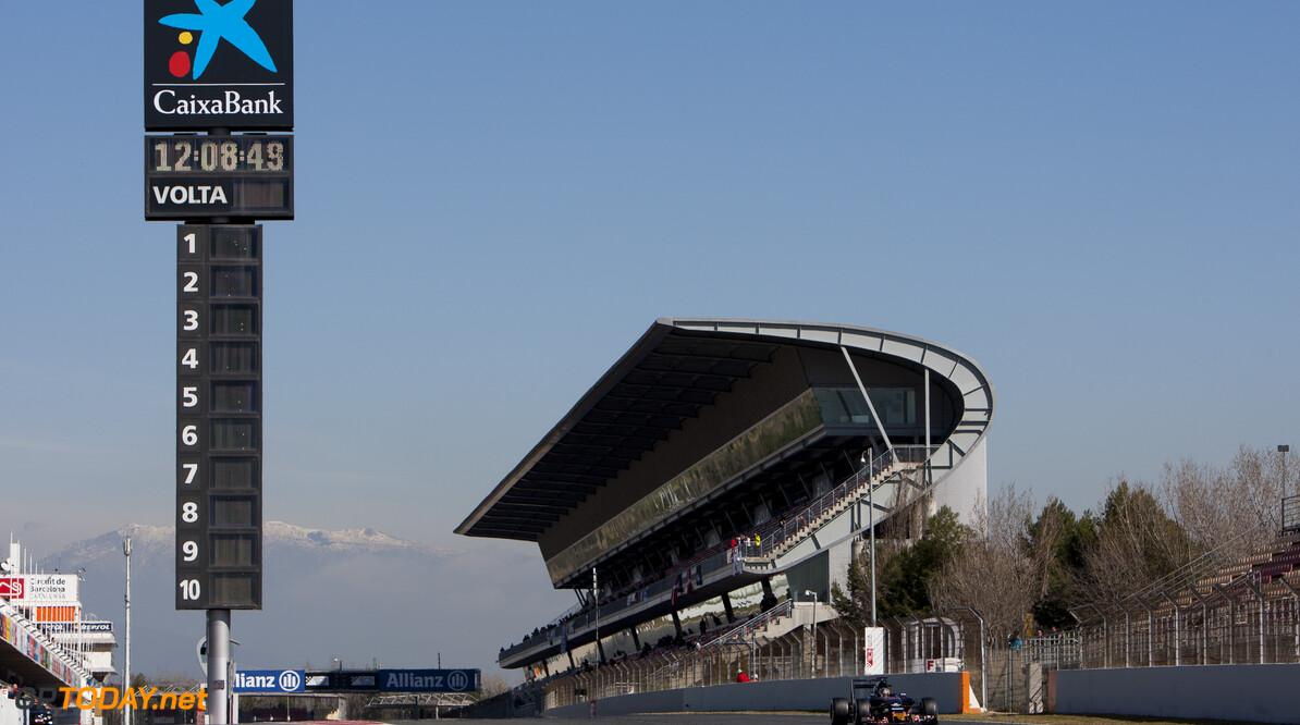 160302RF15274 BARCELONA, SPAIN - 2 MARCH 2016: #55 Carlos Sainz Jr (ESP), Scuderia Toro Rosso, during day 6 of Formula 1's Pre-Season Test at Circuit de Barcelona-Catalunya. Formula 1's Pre-Season Test Ronald Fleurbaaij Barcelona Spain  Sport Sports Autosport Motorsports Auto Car Racewagen Race Car Formule 1 Formula 1 F1 FIA Formula One World Championship Spain Spanje Circuit de Barcelona-Catalunya Pre-Season Test