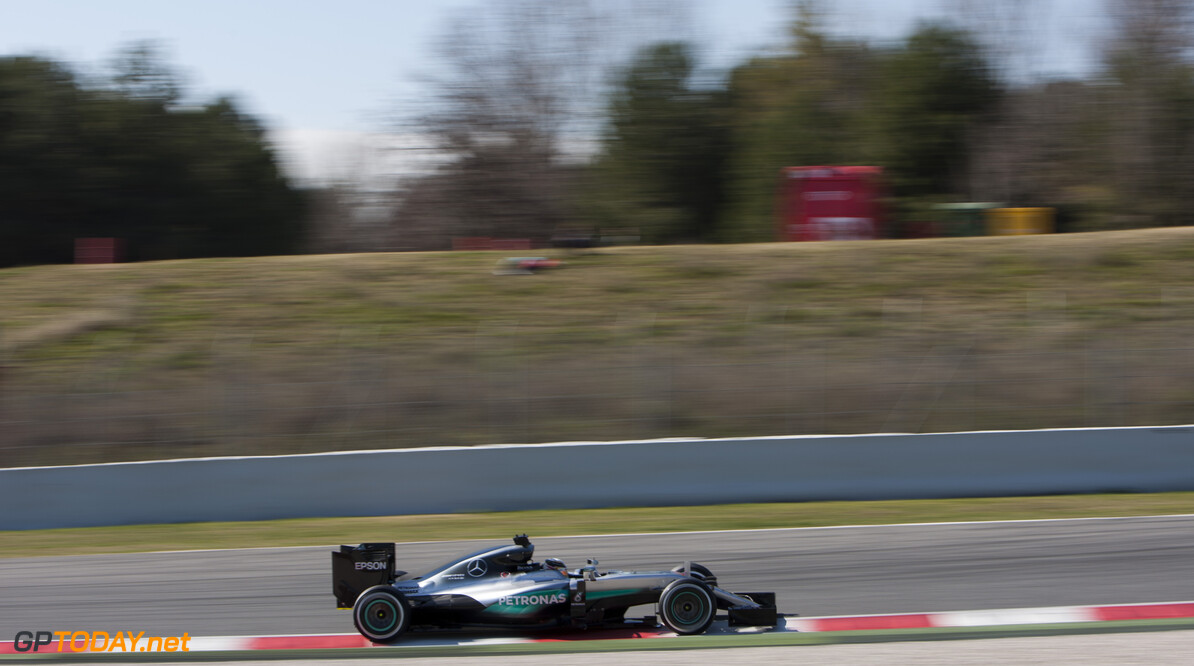 160302RF15253 BARCELONA, SPAIN - 2 MARCH 2016: #44 Lewis Hamilton (GBR), Mercedes AMG Petronas F1 Team, during day 6 of Formula 1's Pre-Season Test at Circuit de Barcelona-Catalunya. Formula 1's Pre-Season Test Ronald Fleurbaaij Barcelona Spain  Sport Sports Autosport Motorsports Auto Car Racewagen Race Car Formule 1 Formula 1 F1 FIA Formula One World Championship Spain Spanje Circuit de Barcelona-Catalunya Pre-Season Test