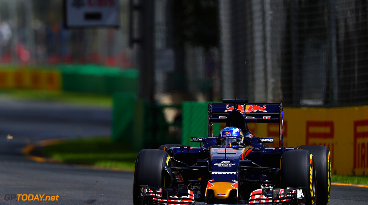 MELBOURNE, AUSTRALIA - MARCH 18: Max Verstappen of the Netherlands drives the (33) Scuderia Toro Rosso STR11 Ferrari 059/5 turbo on track during practice ahead of the Australian Formula One Grand Prix at Albert Park on March 18, 2016 in Melbourne, Australia.  (Photo by Clive Mason/Getty Images) // Getty Images / Red Bull Content Pool  // P-20160318-00073 // Usage for editorial use only // Please go to www.redbullcontentpool.com for further information. //  Australian F1 Grand Prix - Practice Clive Mason Melbourne Australia  P-20160318-00073