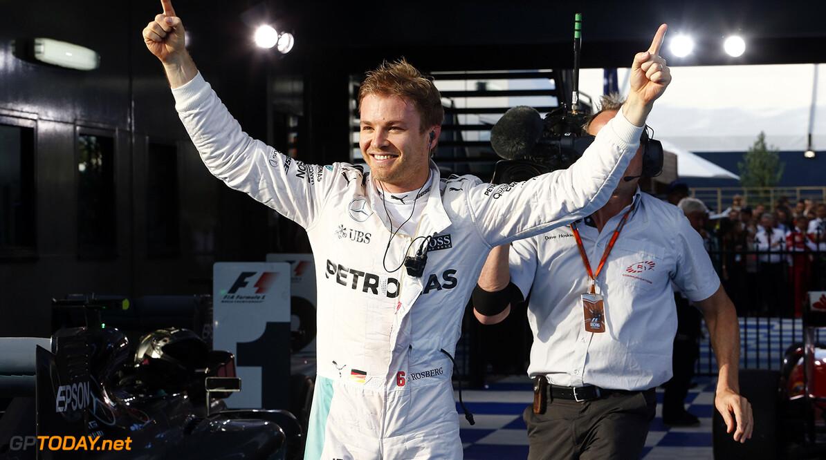 Nico Rosberg houdt Red Bull in de gaten