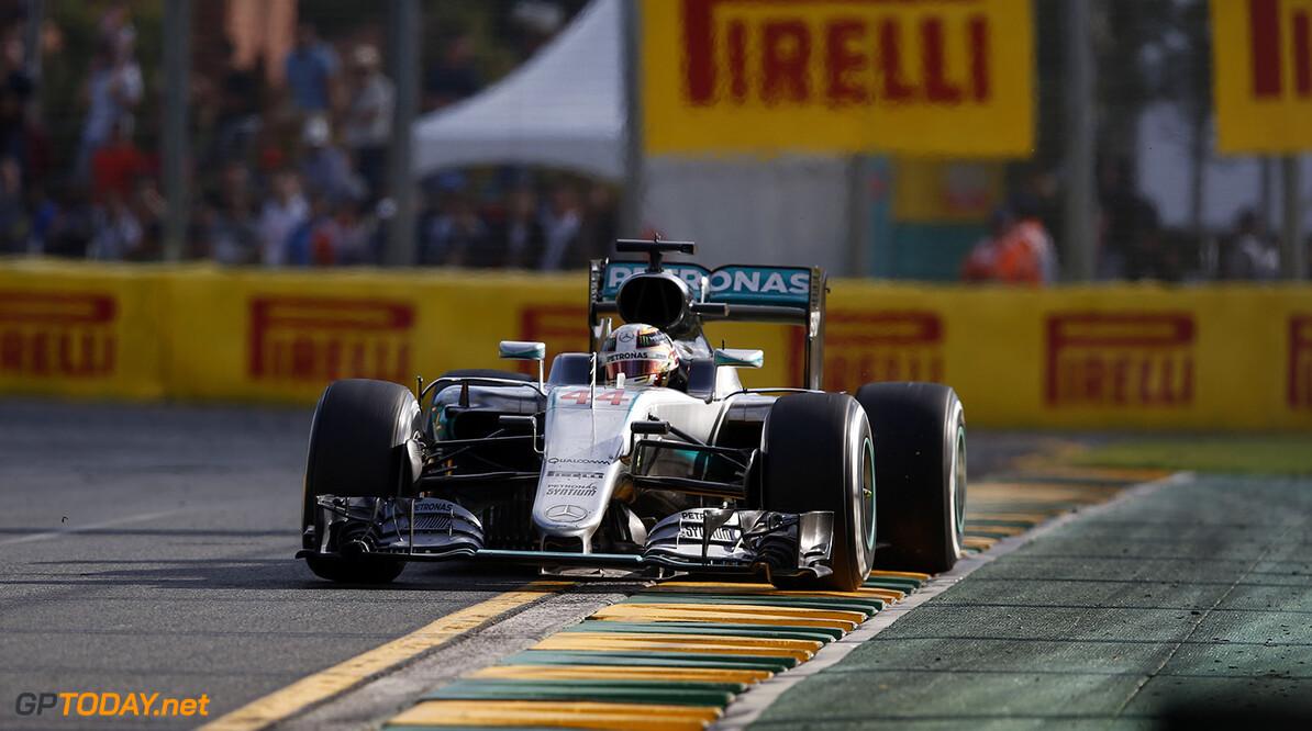 """Ecclestone: """"Hamilton moet niet zo zeuren"""""""