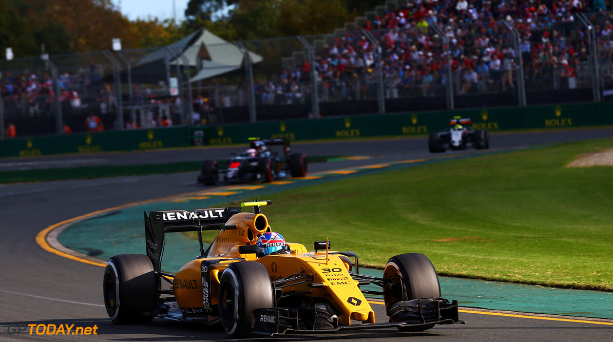 Formula One World Championship Jolyon Palmer (GBR) Renault Sport F1 Team RS16. Australian Grand Prix, Sunday 20th March 2016. Albert Park, Melbourne, Australia. Motor Racing - Formula One World Championship - Australian Grand Prix - Race Day - Melbourne, Australia Renault Sport Formula One Team Melbourne Australia  Formula One Formula 1 F1 GP Grand Prix Circuit Australia Australian Oz Albert Park Melbourne JM541 Action Track GP1601d