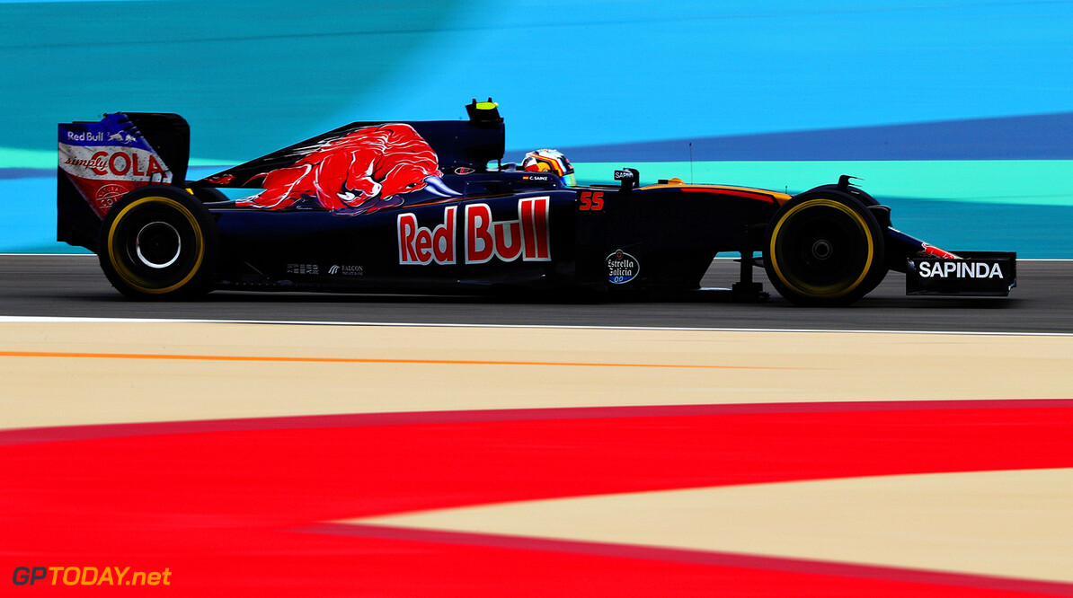 SAKHIR, BAHRAIN - APRIL 01: Carlos Sainz of Spain drives the (55) Scuderia Toro Rosso STR11 Ferrari 059/5 turbo on track during practice for the Bahrain Formula One Grand Prix at Bahrain International Circuit on April 1, 2016 in Sakhir, Bahrain.  (Photo by Clive Mason/Getty Images) // Getty Images / Red Bull Content Pool  // P-20160401-00508 // Usage for editorial use only // Please go to www.redbullcontentpool.com for further information. //  F1 Grand Prix of Bahrain - Practice Clive Mason As Sakhir Bahrain  P-20160401-00508