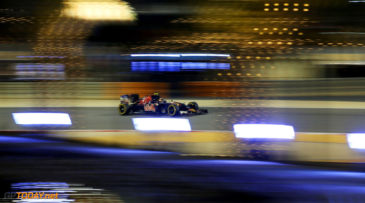 SAKHIR, BAHRAIN - APRIL 03: Carlos Sainz of Spain drives the (55) Scuderia Toro Rosso STR11 Ferrari 060/5 turbo on track during the Bahrain Formula One Grand Prix at Bahrain International Circuit on April 3, 2016 in Sakhir, Bahrain.  (Photo by Lars Baron/Getty Images) // Getty Images / Red Bull Content Pool  // P-20160403-00155 // Usage for editorial use only // Please go to www.redbullcontentpool.com for further information. //  F1 Grand Prix of Bahrain Lars Baron As Sakhir Bahrain  P-20160403-00155