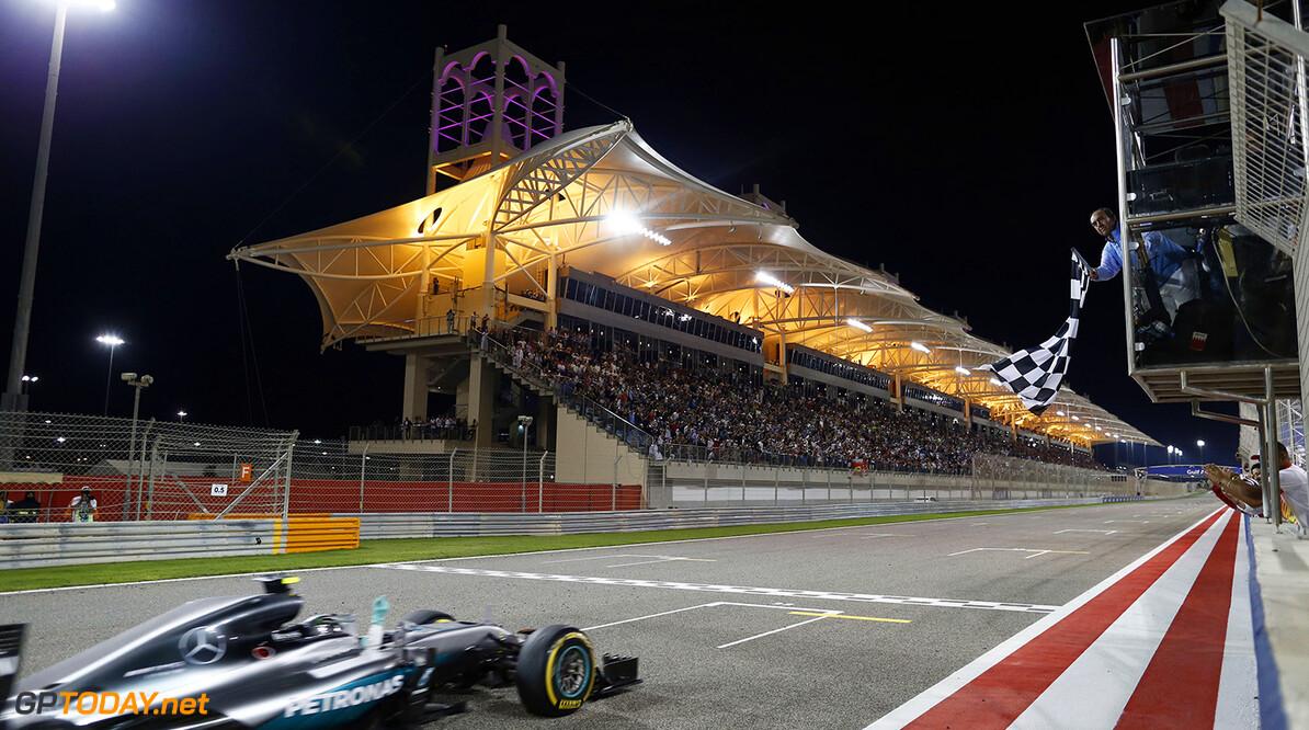 Rosberg 'not amused' door Hamilton en complimenteert Verstappen