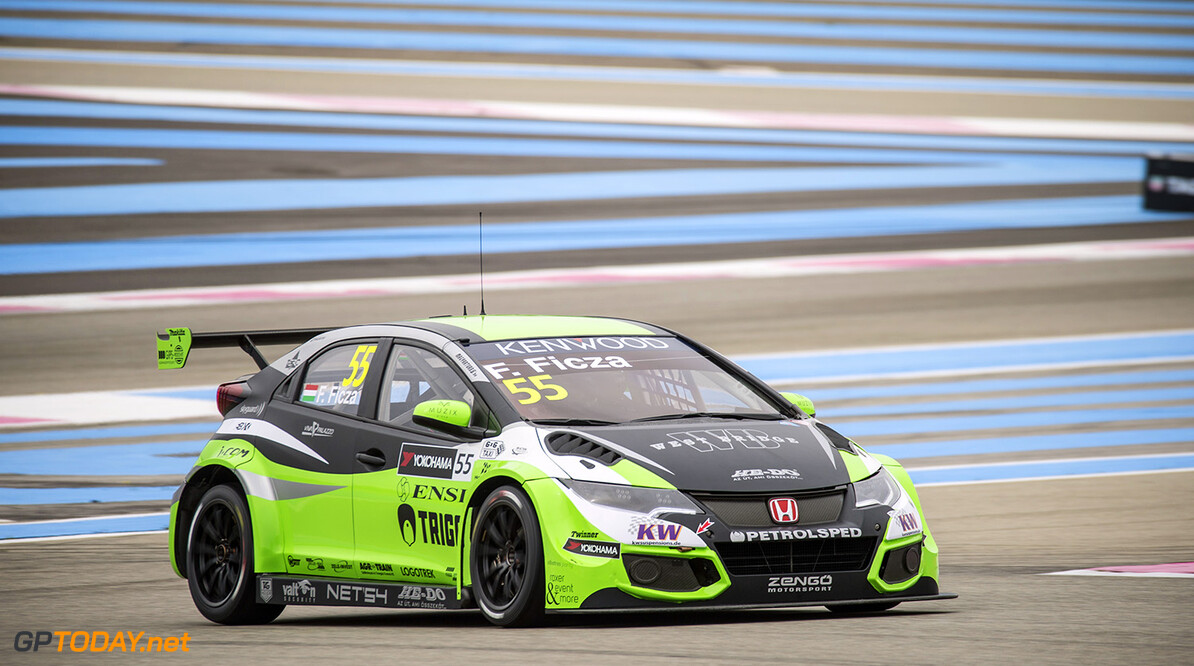 55 FICZA Ferenc (hun) Honda CIvic team Zengo action during the 2016 FIA WTCC World Touring Car Championship race of Paul Ricard, Le Castellet, France from April 1 to 3 - Photo Vincent Curutchet / DPPI. AUTO - WTCC PAUL RICARD 2016 Vincent Curutchet Le Castellet France  auto championnat du monde circuit course fia avril motorsport tourisme wtcc