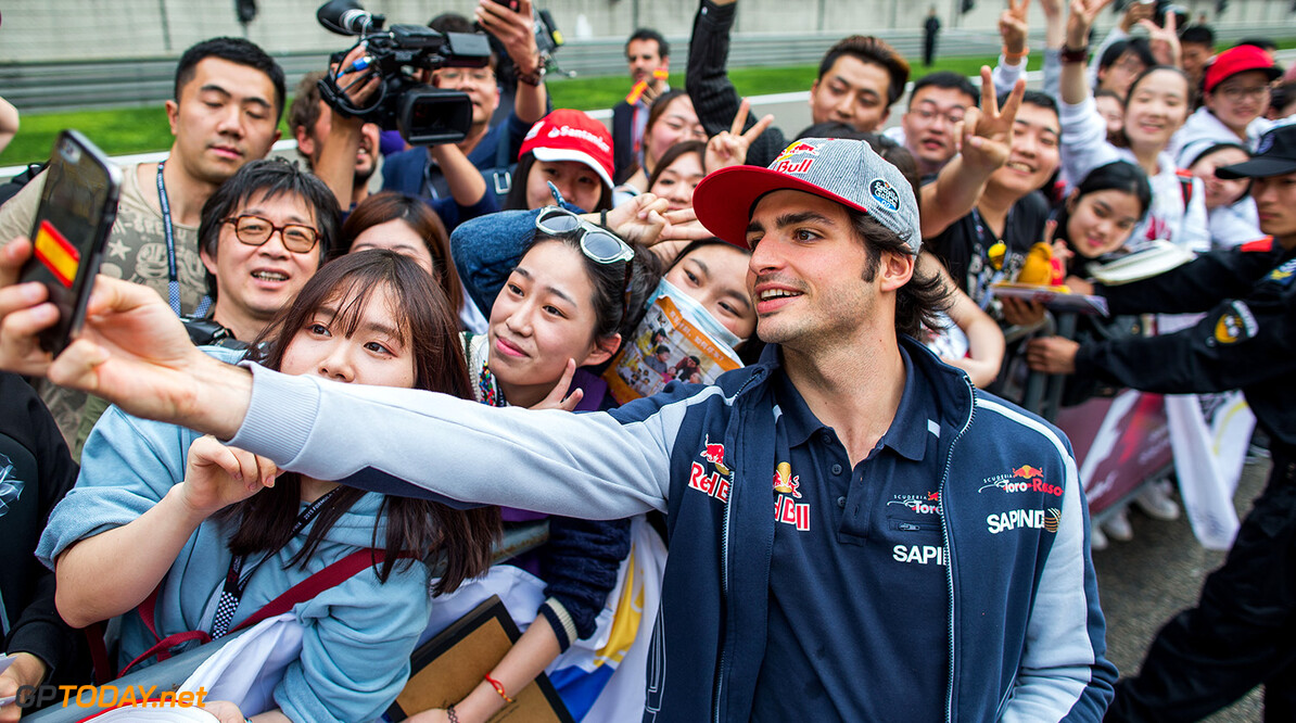 SHANGHAI, CHINA - APRIL 14:  Carlos Sainz of Scuderia Toro Rosso and Spain during previews to the Formula One Grand Prix of China at Shanghai International Circuit on April 14, 2016 in Shanghai, China.  (Photo by Peter Fox/Getty Images) // Getty Images / Red Bull Content Pool  // P-20160414-00352 // Usage for editorial use only // Please go to www.redbullcontentpool.com for further information. //  F1 Grand Prix of China - Previews Peter Fox Shanghai China  P-20160414-00352