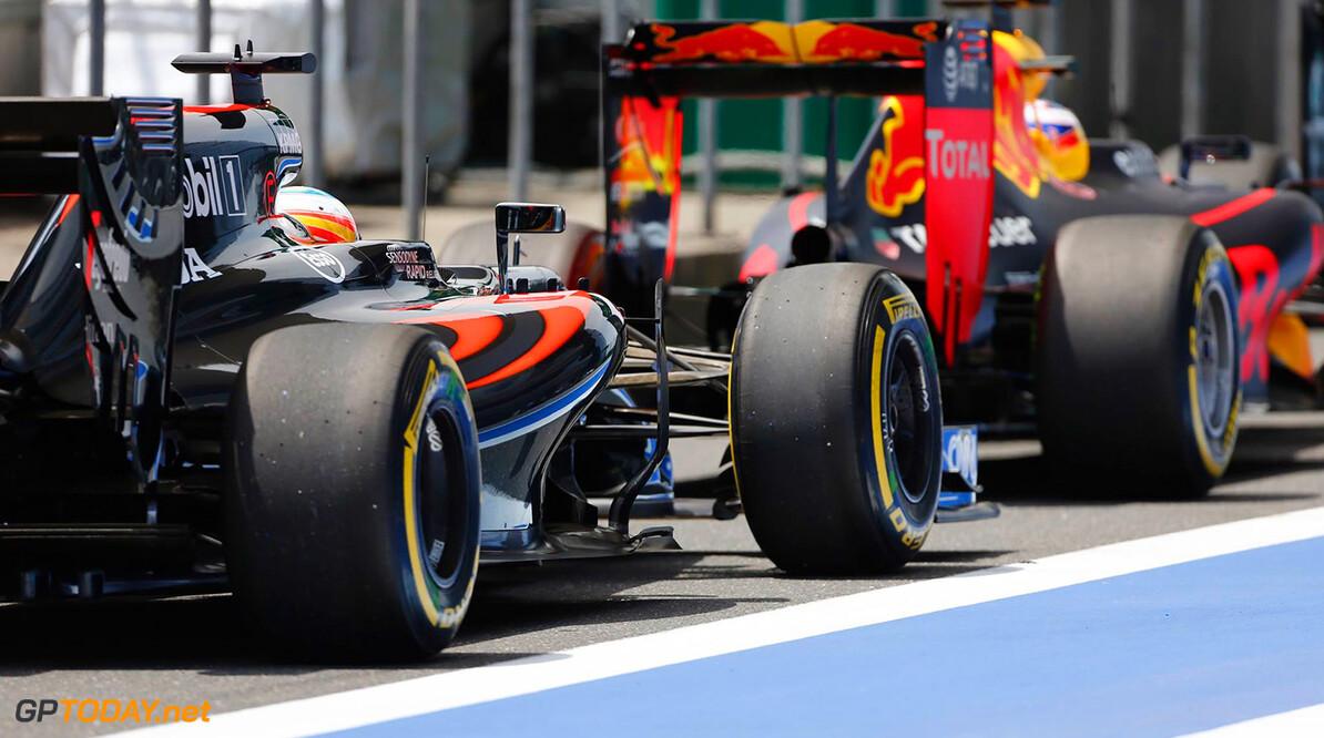 Alonso noemt Ricciardo beste rijder van dit moment