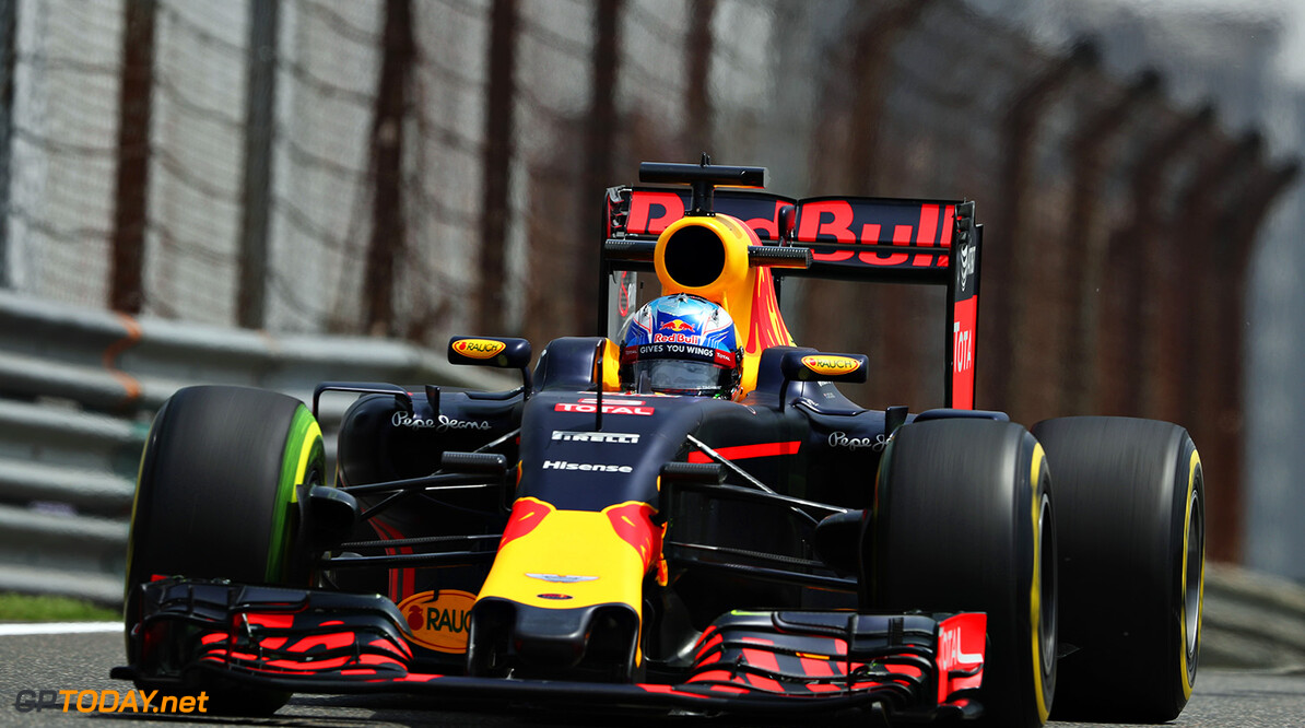 SHANGHAI, CHINA - APRIL 15: Daniel Ricciardo of Australia driving the (3) Red Bull Racing Red Bull-TAG Heuer RB12 TAG Heuer on track during practice for the Formula One Grand Prix of China at Shanghai International Circuit on April 15, 2016 in Shanghai, China.  (Photo by Mark Thompson/Getty Images) // Getty Images / Red Bull Content Pool  // P-20160415-00257 // Usage for editorial use only // Please go to www.redbullcontentpool.com for further information. //  F1 Grand Prix of China - Practice Mark Thompson Shanghai China  P-20160415-00257