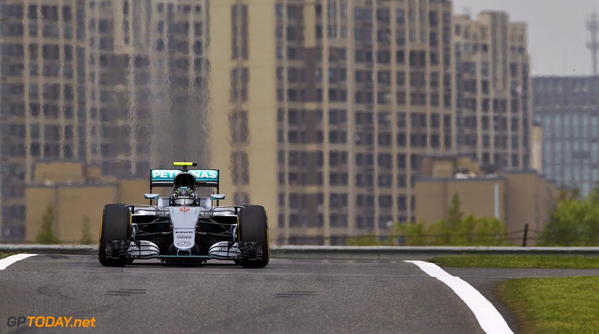 <strong>Qualifying report: </strong> Rosberg fastest, Ricciardo beats Ferrari, Hamilton engine failure.
