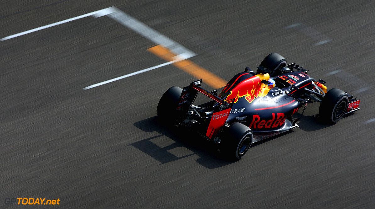 SHANGHAI, CHINA - APRIL 17: Daniel Ricciardo of Australia driving the (3) Red Bull Racing Red Bull-TAG Heuer RB12 TAG Heuer on track during the Formula One Grand Prix of China at Shanghai International Circuit on April 17, 2016 in Shanghai, China.  (Photo by Clive Mason/Getty Images) // Getty Images / Red Bull Content Pool  // P-20160417-00207 // Usage for editorial use only // Please go to www.redbullcontentpool.com for further information. //  F1 Grand Prix of China Clive Mason Shanghai China  P-20160417-00207