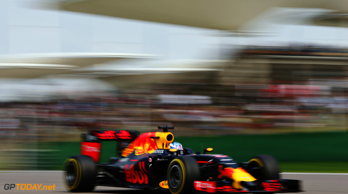 SHANGHAI, CHINA - APRIL 17: Daniel Ricciardo of Australia driving the (3) Red Bull Racing Red Bull-TAG Heuer RB12 TAG Heuer on track during the Formula One Grand Prix of China at Shanghai International Circuit on April 17, 2016 in Shanghai, China.  (Photo by Mark Thompson/Getty Images) // Getty Images / Red Bull Content Pool  // P-20160417-00329 // Usage for editorial use only // Please go to www.redbullcontentpool.com for further information. //  F1 Grand Prix of China Mark Thompson Shanghai China  P-20160417-00329
