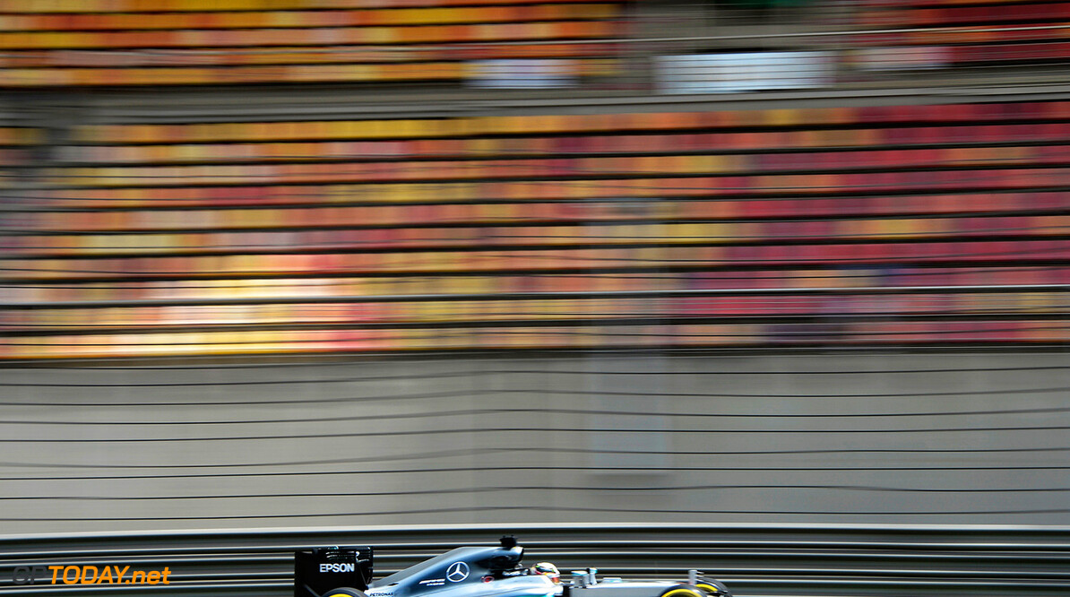 HAMILTON Lewis (gbr) Mercedes GP MGP W07 action during 2016 Formula 1 FIA world championship, China Grand Prix, at Shanghai from April 15 to 17 - Photo Eric Vargiolu / DPPI F1 - CHINA GRAND PRIX 2016 Eric Vargiolu Shanghai Chine  chine circuit f1 formula one formule 1 formule un gp grand prix race