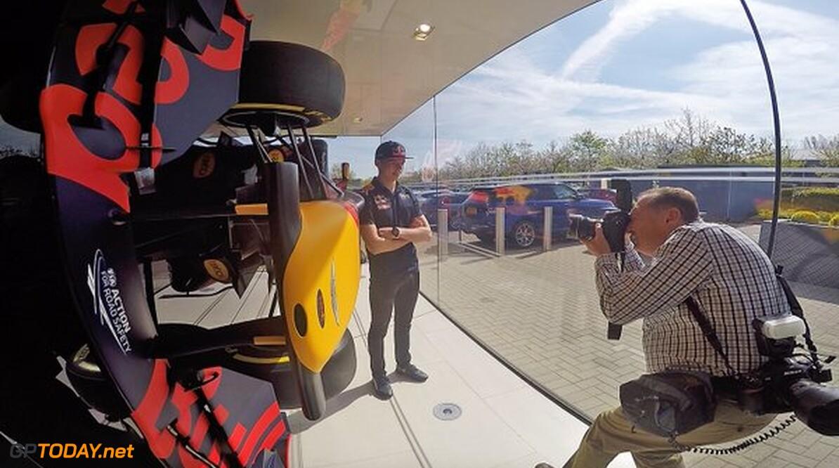 Foto's: De eerste foto's van Max Verstappen bij Red Bull Racing