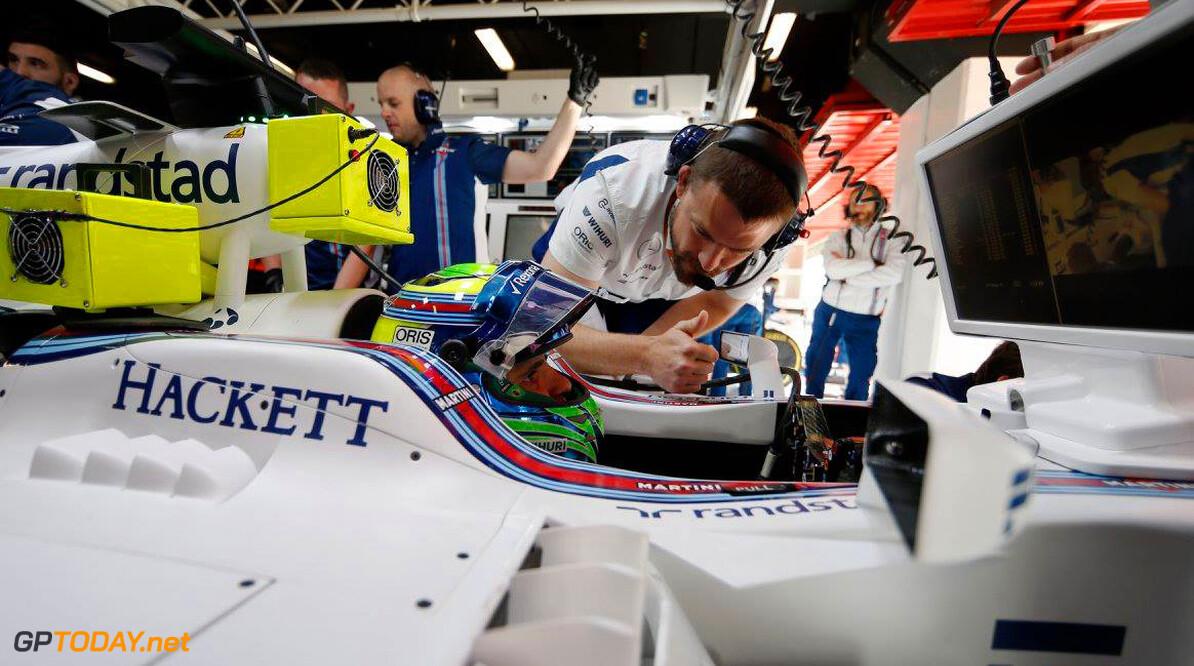VT1: Felipe Massa en Jolyon Palmer rijden schade