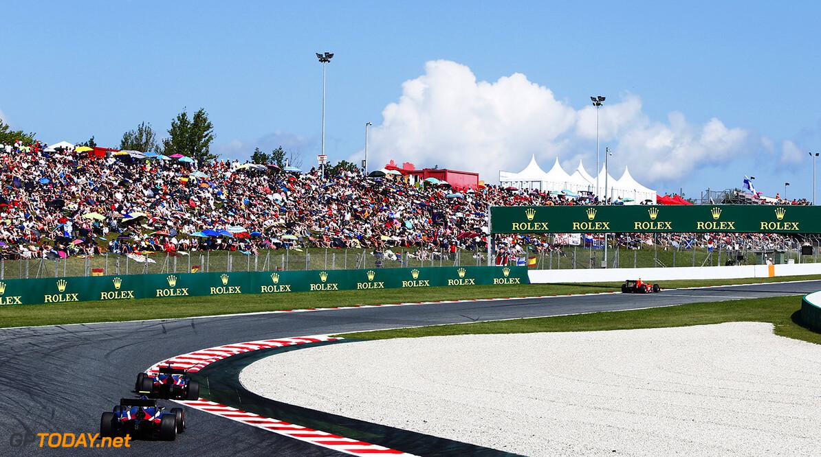 2016 GP2 Series Round 1.  Circuit de Catalunya, Barcelona, Spain. Sunday 15 May 2016. Raffaele Marciello (ITA, RUSSIAN TIME), Artem Markelov (RUS, RUSSIAN TIME)  Photo: Zak Mauger/GP2 Series Media Service. ref: Digital Image _L0U9673   Zak Mauger    Race Two 2 Sprint action