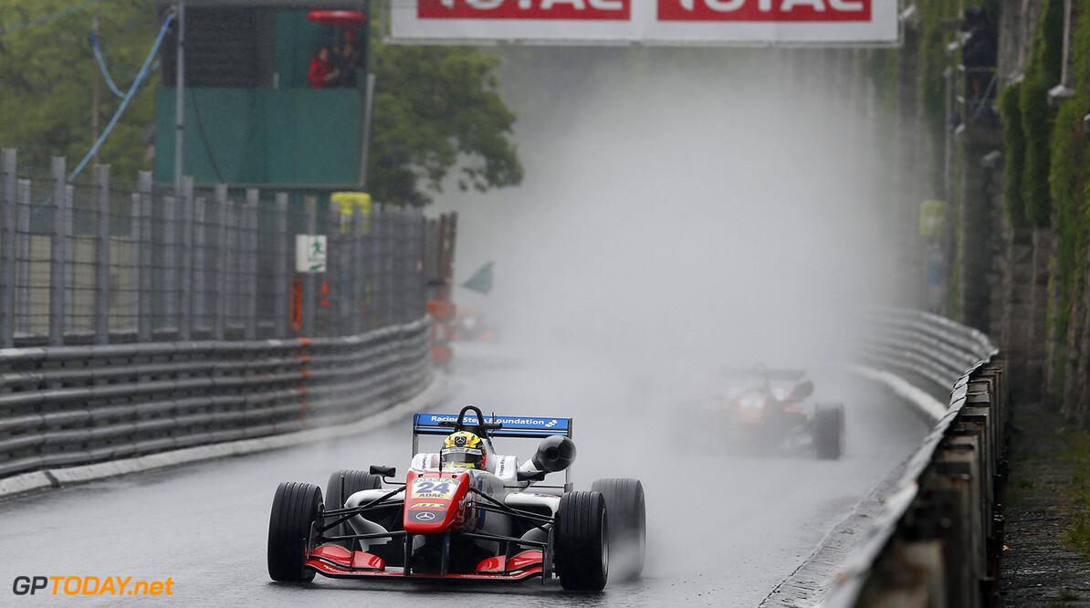 FIA Formula 3 European Championship, round 3, race 1, Pau (FRA) 24 Ben Barnicoat (GBR, HitechGP, Dallara F312 - Mercedes-Benz), FIA Formula 3 European Championship, round 3, race 1, Pau (FRA), 13. - 15. May 2016 FIA Formula 3 European Championship 2016, round 3, race 1, Pau (FRA) Thomas Suer Pau France