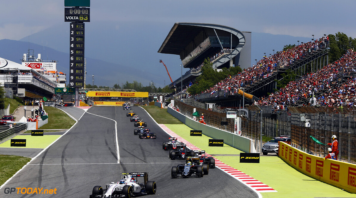 Circuit de Catalunya, Barcelona, Spain. Sunday 15 May 2016. Valtteri Bottas, Williams FW38 Mercedes, leads Sergio Perez, Force India VJM09 Mercedes, Jenson Button, McLaren MP4-31 Honda, and the remainder of the field. Photo: Andrew Hone/Williams ref: Digital Image _ONZ2421      Action
