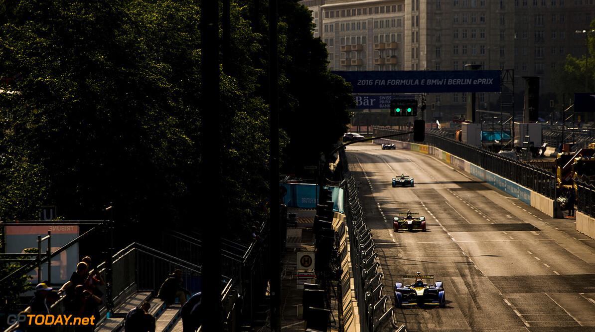 2015/2016 FIA Formula E Championship. Berlin ePrix, Berlin, Germany. Saturday 21 May 2016. Sebastien Buemi (SUI), Renault e.Dams Z.E.15  Photo: Zak Mauger/LAT/Formula E ref: Digital Image _L0U1508  Zak Mauger    fe formula e action