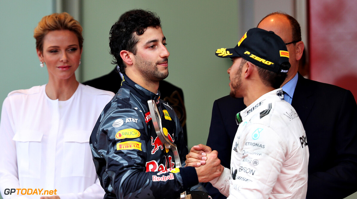 MONTE-CARLO, MONACO - MAY 29: Daniel Ricciardo of Australia and Red Bull Racing and Lewis Hamilton of Great Britain and Mercedes GP shake hands on the podium during the Monaco Formula One Grand Prix at Circuit de Monaco on May 29, 2016 in Monte-Carlo, Monaco.  (Photo by Mark Thompson/Getty Images) // Getty Images / Red Bull Content Pool  // P-20160529-01734 // Usage for editorial use only // Please go to www.redbullcontentpool.com for further information. //  F1 Grand Prix of Monaco Mark Thompson Monte-Carlo (City) Monaco  P-20160529-01734