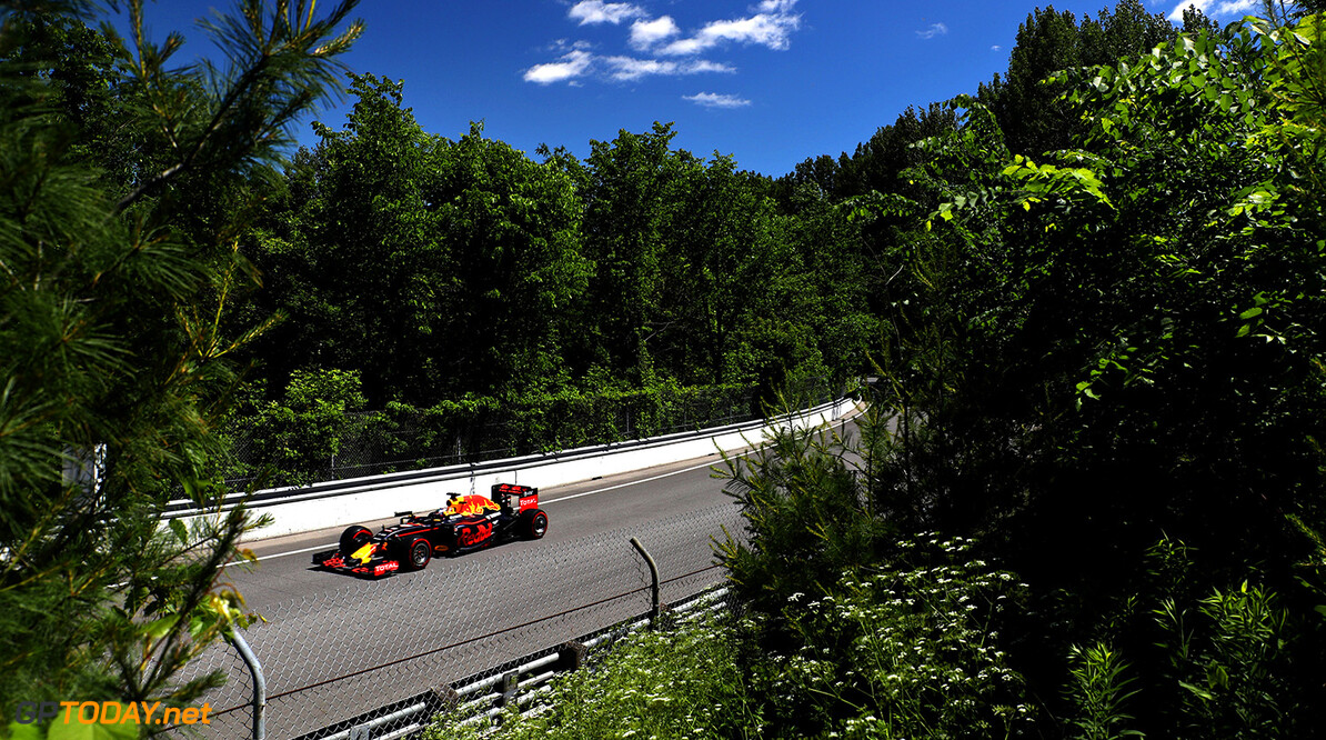 MONTREAL, QC - JUNE 10: Daniel Ricciardo of Australia driving the (3) Red Bull Racing Red Bull-TAG Heuer RB12 TAG Heuer on track during practice for the Canadian Formula One Grand Prix at Circuit Gilles Villeneuve on June 9, 2016 in Montreal, Canada.  (Photo by Mark Thompson/Getty Images) // Getty Images / Red Bull Content Pool  // P-20160610-01087 // Usage for editorial use only // Please go to www.redbullcontentpool.com for further information. //  Canadian F1 Grand Prix - Practice Mark Thompson Montreal (City) Canada  P-20160610-01087