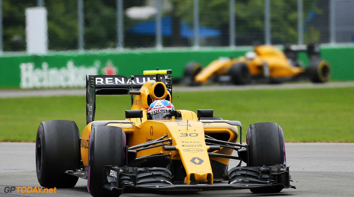 Formula One World Championship Jolyon Palmer (GBR) Renault Sport F1 Team RS16. Canadian Grand Prix, Sunday 12th June 2016. Montreal, Canada. Motor Racing - Formula One World Championship - Canadian Grand Prix - Race Day - Montreal, Canada Renault Sport Formula One Team Montreal Canada  Formula One Formula 1 F1 GP Grand Prix Canada Canadian Montreal Ille Notre Dame Circuit JM579 Action Track GP1607d