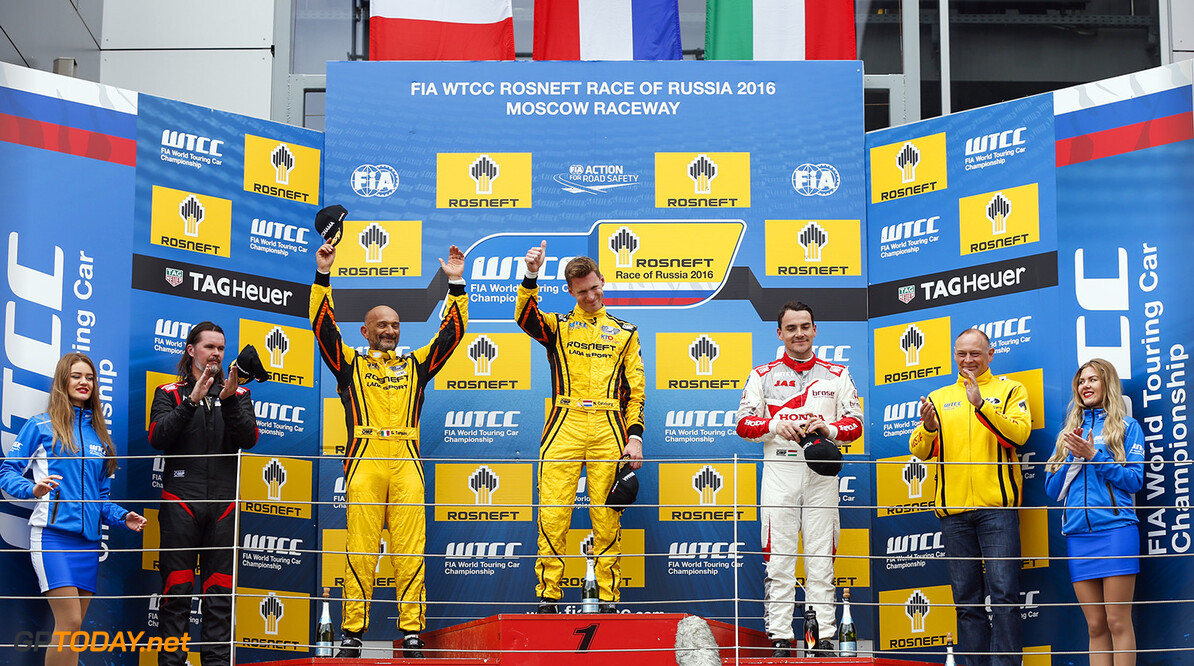 Podium of the main race.  CATSBURG Nicky (ned) Lada Vesta team Lada Sport Rosneft, TARQUINI Gabriele (ita) Lada Vesta team Lada Sport Rosneft and MICHELISZ Norbert (hun) Honda Civic team Honda racing Jas portrait ambiance during the 2016 FIA WTCC World Touring Car Race of Moscow at Moscow Raceway, Russia from June 10 to 12 2016 - Photo Florent Gooden / DPPI AUTO - WTCC MOSCOW 2016 Florent Gooden Moscow Russie  AUTO CHAMPIONNAT DU MONDE CIRCUIT COURSE FIA Motorsport Russie TOURISME WTCC europe moscou