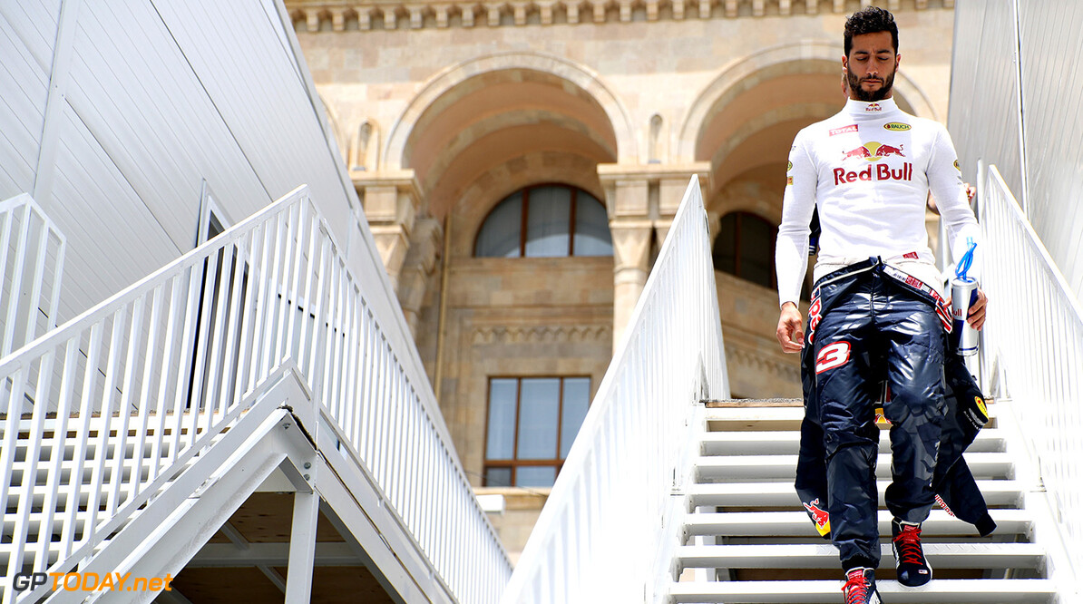 BAKU, AZERBAIJAN - JUNE 17:  Daniel Ricciardo of Australia and Red Bull Racing walks from the paddock to the garage before practice for the European Formula One Grand Prix at Baku City Circuit on June 17, 2016 in Baku, Azerbaijan.  (Photo by Mark Thompson/Getty Images) // Getty Images / Red Bull Content Pool  // P-20160617-01600 // Usage for editorial use only // Please go to www.redbullcontentpool.com for further information. //  European F1 Grand Prix - Practice Mark Thompson  Azerbaijan  P-20160617-01600