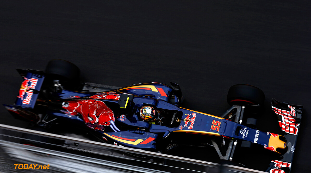 BAKU, AZERBAIJAN - JUNE 17: Carlos Sainz of Spain driving the (55) Scuderia Toro Rosso STR11 Ferrari 060/5 turbo on track during practice for the European Formula One Grand Prix at Baku City Circuit on June 17, 2016 in Baku, Azerbaijan.  (Photo by Charles Coates/Getty Images) // Getty Images / Red Bull Content Pool  // P-20160617-00971 // Usage for editorial use only // Please go to www.redbullcontentpool.com for further information. //  European F1 Grand Prix - Practice Charles Coates  Azerbaijan  P-20160617-00971