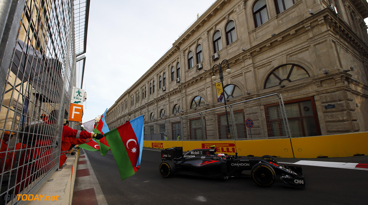 Baku City Circuit, Baku, Azerbaijan. Sunday 19 June 2016. World Copyright: Sam Bloxham/LAT Photographic ref: Digital Image _SLA4434  Steven Tee    f1 formula 1 formula one