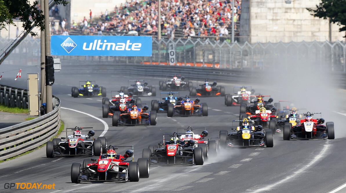 FIA Formula 3 European Championship, round 5, race 1, Norisring  Start of the race, 1 Lance Stroll (CAN, Prema Powerteam, Dallara F312 - Mercedes-Benz) leading from 22 Joel Eriksson (SWE, Motopark, Dallara F312 - Volkswagen), FIA Formula 3 European Championship, round 5, race 1, Norisring (DEU), 24. - 26. June 2016 FIA Formula 3 European Championship 2016, round 5, race 1, Norisring (DEU) Thomas Suer N?rnberg Germany