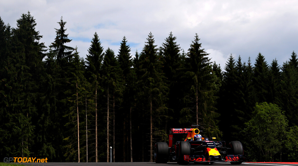 SPIELBERG, AUSTRIA - JULY 01: Daniel Ricciardo of Australia driving the (3) Red Bull Racing Red Bull-TAG Heuer RB12 TAG Heuer on track during practice for the Formula One Grand Prix of Austria at Red Bull Ring on July 1, 2016 in Spielberg, Austria.  (Photo by Mark Thompson/Getty Images) // Getty Images / Red Bull Content Pool  // P-20160701-00675 // Usage for editorial use only // Please go to www.redbullcontentpool.com for further information. //  F1 Grand Prix of Austria - Practice Mark Thompson Spielberg Germany  P-20160701-00675