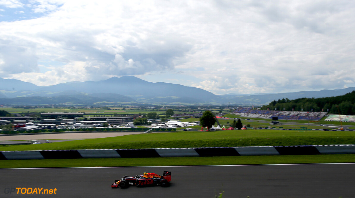 SPIELBERG, AUSTRIA - JULY 01:  Max Verstappen of the Netherlands driving the (33) Red Bull Racing Red Bull-TAG Heuer RB12 TAG Heuer on track during practice for the Formula One Grand Prix of Austria at Red Bull Ring on July 1, 2016 in Spielberg, Austria.  (Photo by Charles Coates/Getty Images) // Getty Images / Red Bull Content Pool  // P-20160701-00476 // Usage for editorial use only // Please go to www.redbullcontentpool.com for further information. //  F1 Grand Prix of Austria - Practice Charles Coates Spielberg Germany  P-20160701-00476