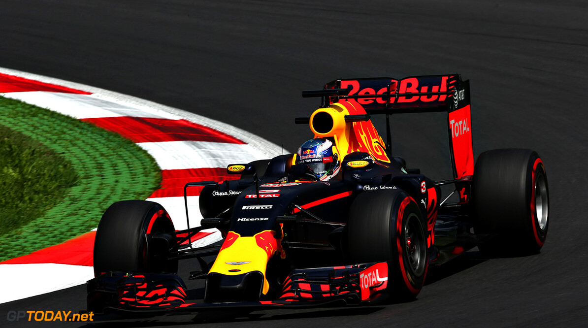 SPIELBERG, AUSTRIA - JULY 01: Daniel Ricciardo of Australia driving the (3) Red Bull Racing Red Bull-TAG Heuer RB12 TAG Heuer on track during practice for the Formula One Grand Prix of Austria at Red Bull Ring on July 1, 2016 in Spielberg, Austria.  (Photo by Charles Coates/Getty Images) // Getty Images / Red Bull Content Pool  // P-20160701-01198 // Usage for editorial use only // Please go to www.redbullcontentpool.com for further information. //  F1 Grand Prix of Austria - Practice Charles Coates Spielberg Germany  P-20160701-01198