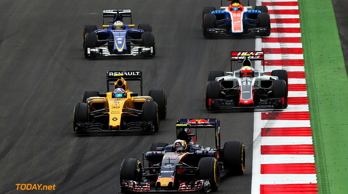 SPIELBERG, AUSTRIA - JULY 03: Carlos Sainz of Spain driving the (55) Scuderia Toro Rosso STR11 Ferrari 060/5 turbo leadsJolyon Palmer of Great Britain driving the (30) Renault Sport Formula One Team Renault RS16 Renault RE16 turbo, Esteban Gutierrez of Mexico driving the (21) Haas F1 Team Haas-Ferrari VF-16 Ferrari 059/5 turbo, Marcus Ericsson of Sweden driving the (9) Sauber F1 Team Sauber C35 Ferrari 059/5 turbo and Romain Grosjean of France driving the (8) Haas F1 Team Haas-Ferrari VF-16 Ferrari 059/5 turbo on track during the Formula One Grand Prix of Austria at Red Bull Ring on July 3, 2016 in Spielberg, Austria.  (Photo by Charles Coates/Getty Images) // Getty Images / Red Bull Content Pool  // P-20160703-01192 // Usage for editorial use only // Please go to www.redbullcontentpool.com for further information. //  F1 Grand Prix of Austria Charles Coates Red Bull Ring Austria  P-20160703-01192