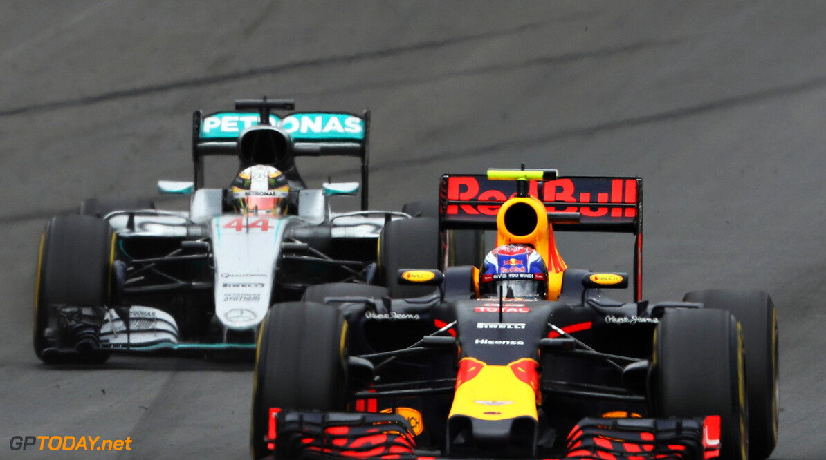 SPIELBERG, AUSTRIA - JULY 03: Max Verstappen of the Netherlands driving the (33) Red Bull Racing Red Bull-TAG Heuer RB12 TAG Heuer ahead of Lewis Hamilton of Great Britain driving the (44) Mercedes AMG Petronas F1 Team Mercedes F1 WO7 Mercedes PU106C Hybrid turbo on track during the Formula One Grand Prix of Austria at Red Bull Ring on July 3, 2016 in Spielberg, Austria.  (Photo by Mark Thompson/Getty Images) // Getty Images / Red Bull Content Pool  // P-20160703-02927 // Usage for editorial use only // Please go to www.redbullcontentpool.com for further information. //  F1 Grand Prix of Austria Mark Thompson Spielberg Germany  P-20160703-02927