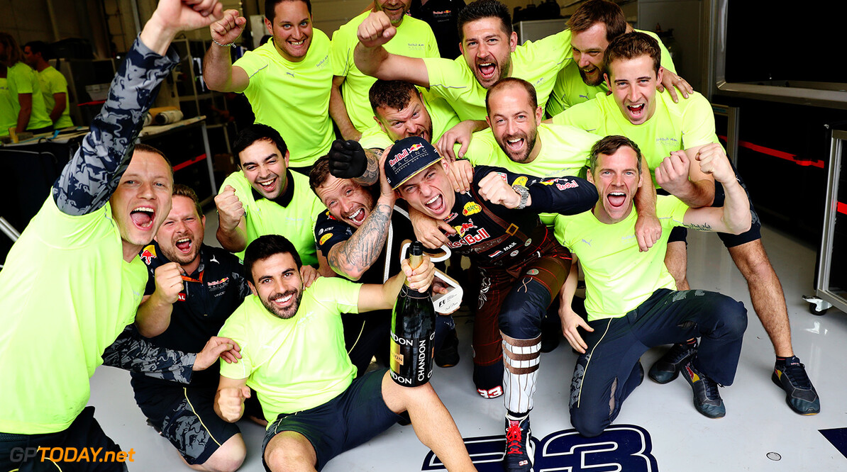 SPIELBERG, AUSTRIA - JULY 03:  Max Verstappen of Netherlands and Red Bull Racing celebrates with his team during the Formula One Grand Prix of Austria at Red Bull Ring on July 3, 2016 in Spielberg, Austria.  (Photo by Mark Thompson/Getty Images) // Getty Images / Red Bull Content Pool  // P-20160703-02462 // Usage for editorial use only // Please go to www.redbullcontentpool.com for further information. //  F1 Grand Prix of Austria Mark Thompson Spielberg Germany  P-20160703-02462