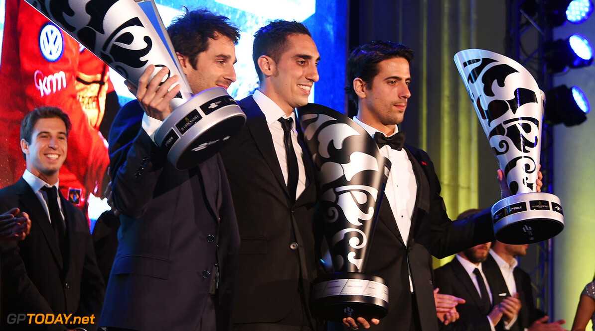 - LONDON, ENGLAND - JULY 03:  Racing drivers Nicolas Prost, Sebastien Buemi and Lucas di Grassi accept their awards at the 2016 FIA Formula E Visa London ePrix gala dinner at The British Museum on July 3, 2016 in London, England.    Pic Credit: Dave Benett 2016 FIA Formula E Visa London ePrix - Gala Dinner Dave Benett London United Kingdom  Nico Prost