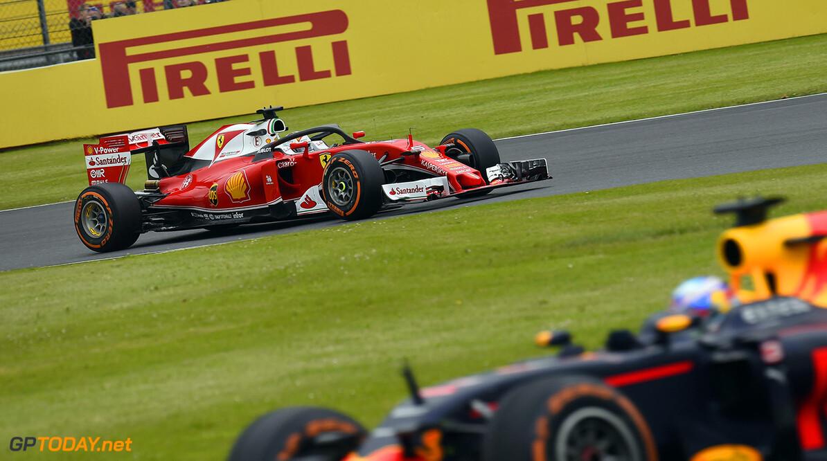 Vettel neemt neutraal standpunt in over strijd Verstappen en Raikkonen