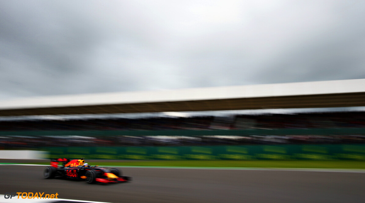NORTHAMPTON, ENGLAND - JULY 08: Daniel Ricciardo of Australia driving the (3) Red Bull Racing Red Bull-TAG Heuer RB12 TAG Heuer on track during practice for the Formula One Grand Prix of Great Britain at Silverstone on July 8, 2016 in Northampton, England.  (Photo by Charles Coates/Getty Images) // Getty Images / Red Bull Content Pool  // P-20160708-00850 // Usage for editorial use only // Please go to www.redbullcontentpool.com for further information. //  F1 Grand Prix of Great Britain - Practice Charles Coates Silverstone United Kingdom  P-20160708-00850