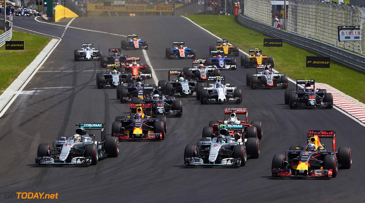 Archivnummer: M37658 Grosser Preis von Ungarn 2016, Sonntag 2016 Hungarian Grand Prix, Sunday Steve Etherington Budapest Ungarn  Ungarn Grand Prix Sonntag Nico Rosberg Lewis Hamilton 2016 Hungaroring