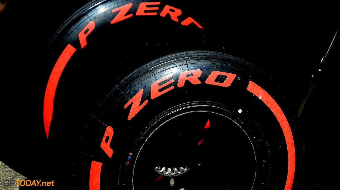 Mercedes wrap up 2017 slick tyre test