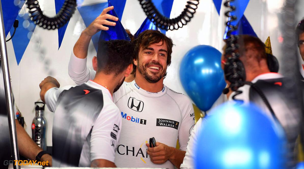 Alonso roept op tot continuïteit in de F1-regels