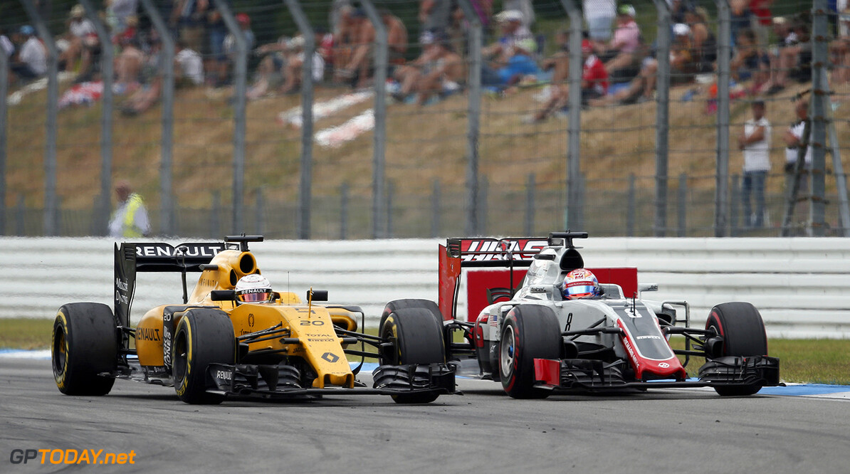 20 MAGNUSSEN Kevin (dnk) Renault action 08 GROSJEAN Romain (fra) Haas Ferrari F1 team action during the 2016 Formula One World Championship, Germany Grand Prix from July 29 to 31, in Hockenheim, Germany - Photo Jean Michel Le Meur / DPPI F1 - GRAND PRIX OF GERMANY 2016 Jean Michel Le Meur Hockenheim Allemagne  allemagne auto car f1 formula 1 formula one formule 1 formule un grand prix juillet july motorsport race world championship