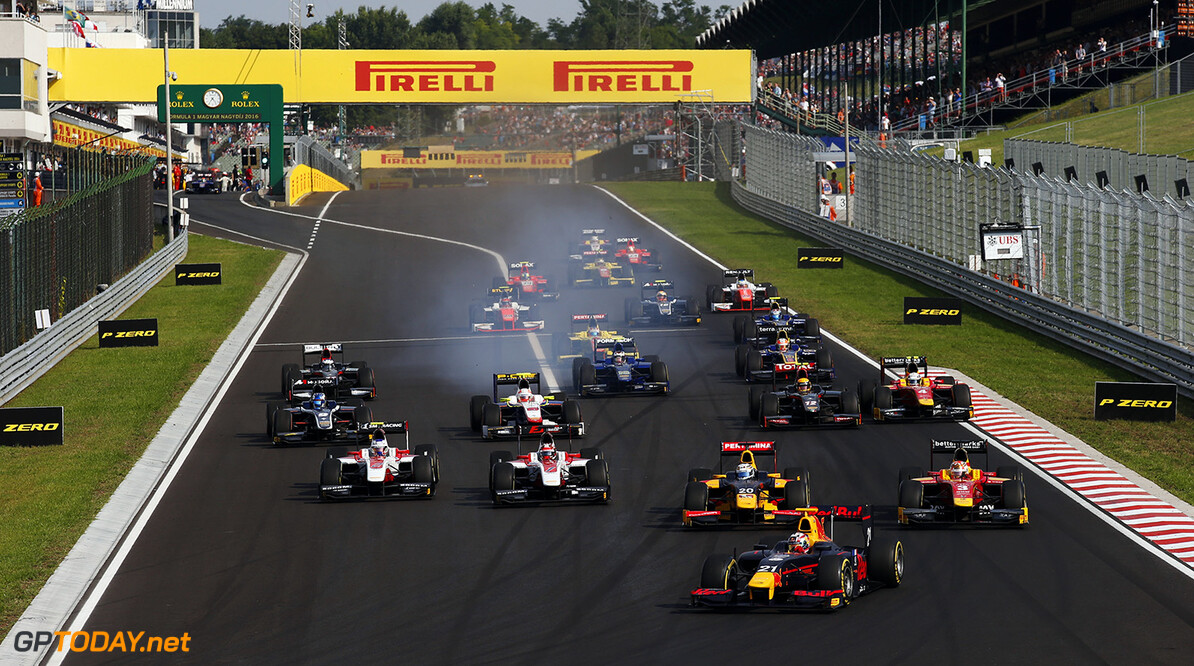 Pierre Gasly (FRA, PREMA, Racing) leads the field into the first corner. 2016 GP2 Series Round 6 Hungaroring, Budapest, Hungary Saturday 23 July 2016  Photo: /GP2 Series Media Service ref: Digital Image _SLA7190      ts-live