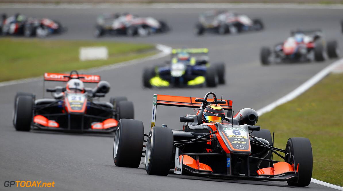 FIA Formula 3 European Championship, round 6, race 2, Zandvoort  6 Callum Ilott (GBR, Van Amersfoort Racing, Dallara F312 - Mercedes-Benz), 21 Anthoine Hubert (FRA, Van Amersfoort Racing, Dallara F312 - Mercedes-Benz), FIA Formula 3 European Championship, round 6, race 2, Zandvoort (NED), 15. - 17. July 2016 FIA Formula 3 European Championship 2016, round 6, race 2, Zandvoort (NED) Thomas Suer Zandvoort Netherlands